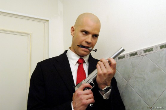 Timothy Olyphant's depiction of a bald man was not a hit.